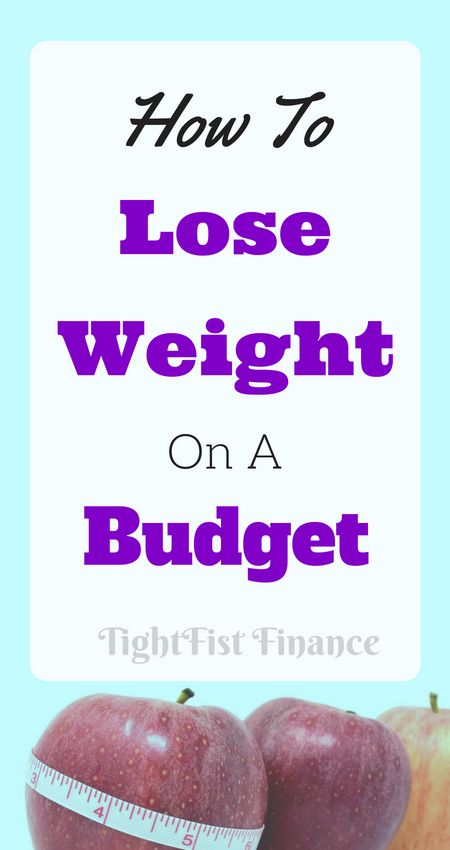 Looking to lose weight quickly but confused with all the information? How to lose weight on a budget breaks down weight loss tips to lose your first 10 pounds fast. Natural weight loss is possible while living frugally! #loseweight #budgetweightloss #quickweightloss